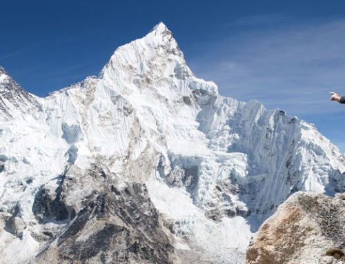 Climbers die on Mt Everest